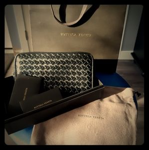 BOTTEGA VENETA zip wallet